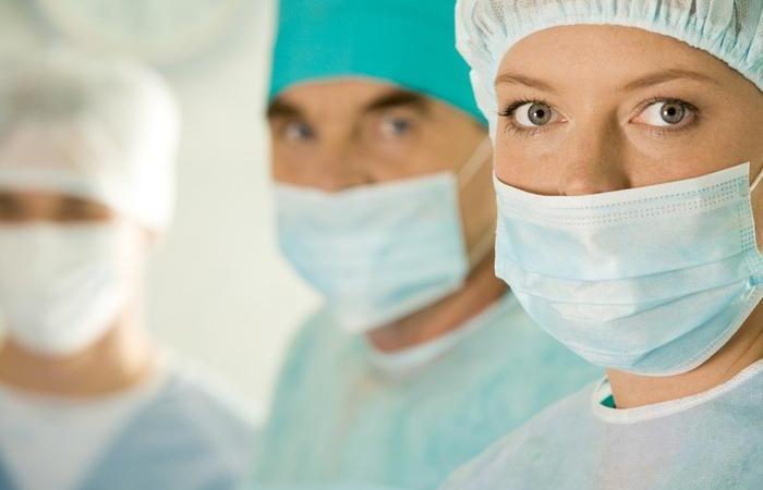 Список лікарів готових надавати безкоштовні консультації у Viber та WhatsApp