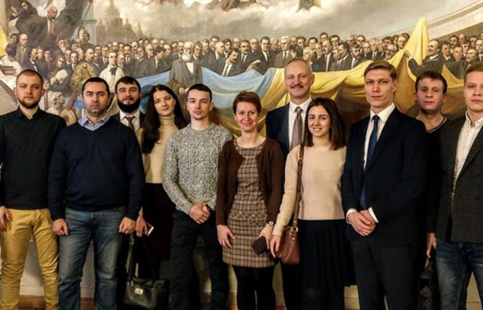 Онлайн зустріч з керівником Києво-Могилянської школи врядування