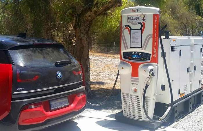 В Австралії почнуть платити за використання електромобілів