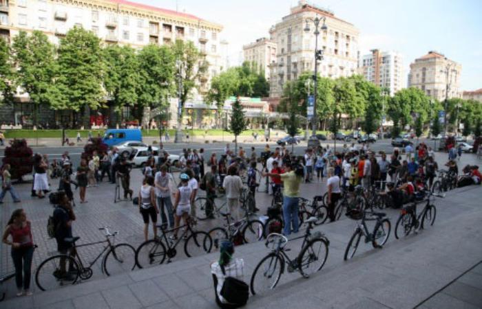Лише 10 000 киян приймають участь в політичному житті міста