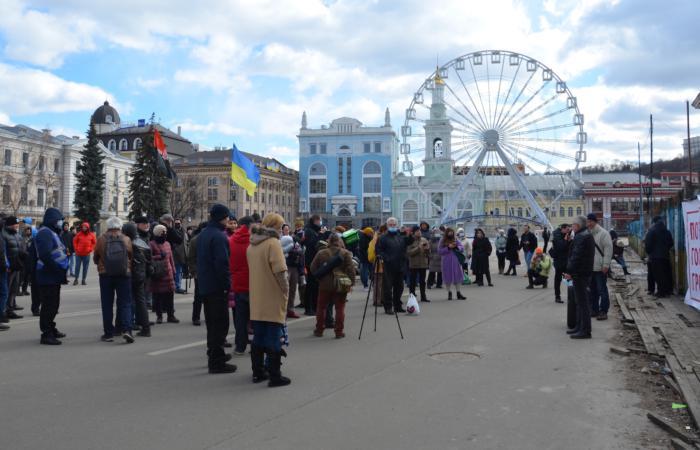 Кияни провели мітинг за створення центру місцевого самоврядування