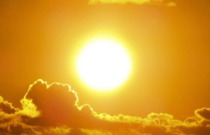 Китай завершив проект перетворення сонячної енергії в рідке паливо - метанол