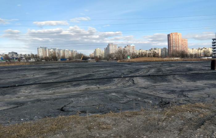 Екологічний злочин, який отруює життя киян, вбиває озера Дарниці і основну питну артерію України - Дніпро!