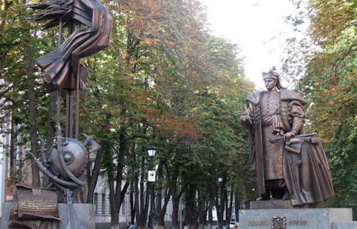 Україні як державі дуже не вистачає легендарності та символізму