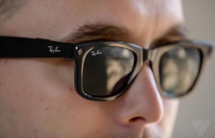 Facebook та Ray-Ban представили розумні окуляри з вбудованими камерами за $ 299